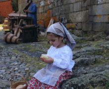 2012_serie_accesit_Candela_busca_un_cesto_04_de_maria_alvarez